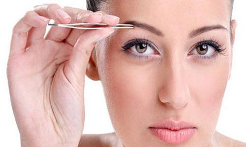 Если вам приснилось, что вы выщипываете себе брови — вас ожидают большие напрасные хлопоты.